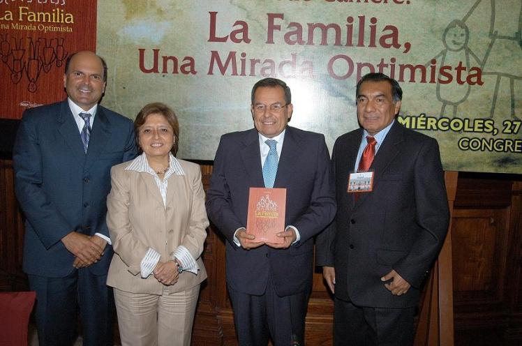 Presentación libro Familia en Congreso vale