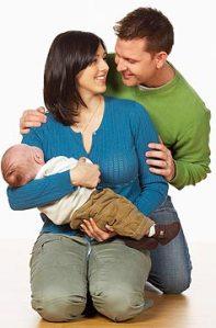 pareja y bebé